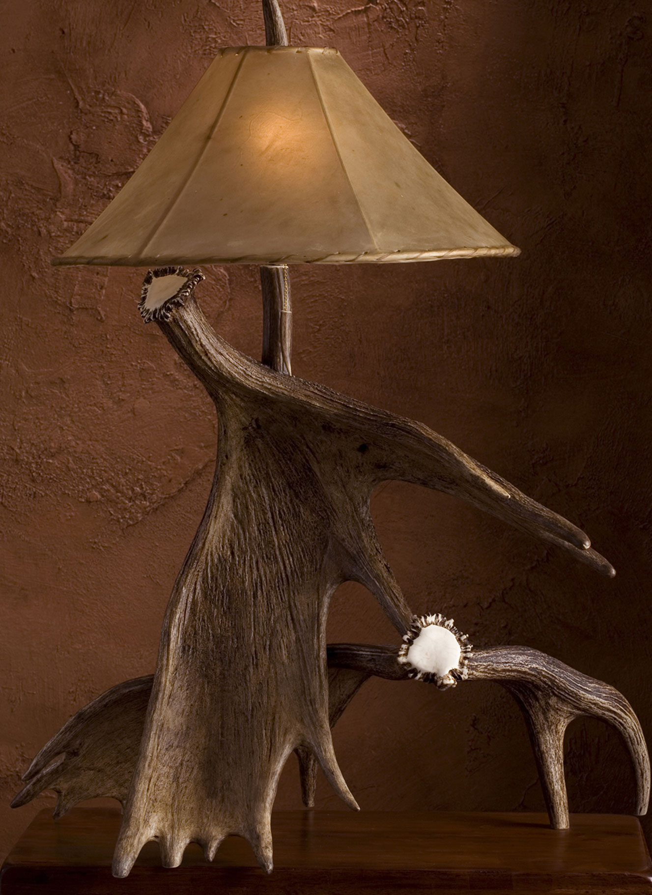 Natural Shed Moose Table Lamp